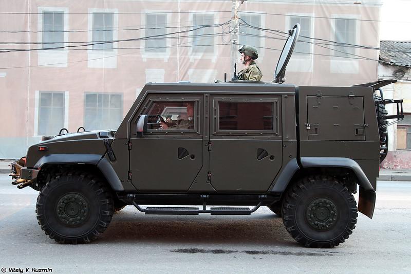Бронеавтомобиль Рысь Iveco LMV (Iveco LMV Rys' armored vehicle)