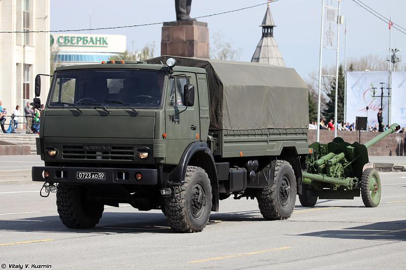 КАМАЗ-43501 и 85-мм дивизионная пушка Д-44 (KAMAZ-43501 and 85-mm divisional gun D-44)