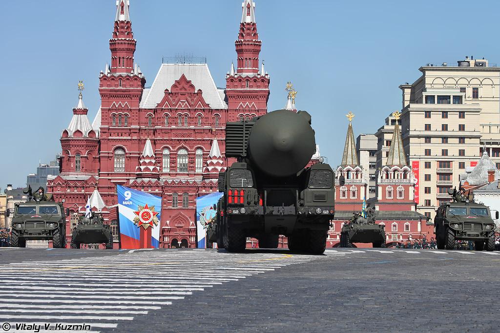 Пусковая установка ПГРК Тополь-М (Topol-M missile system TEL)