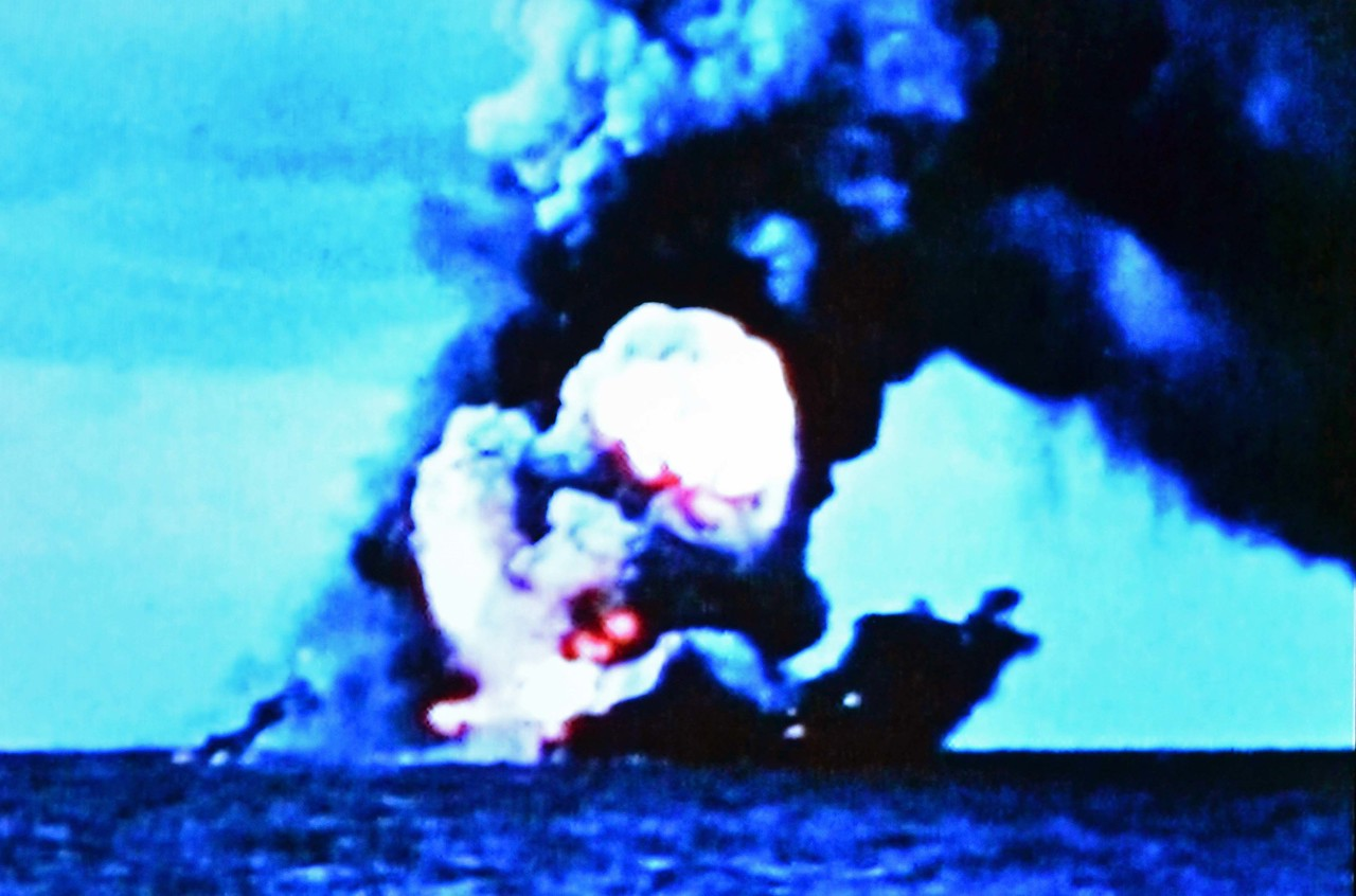 the Akagi burns and sinks at Battle of Midway