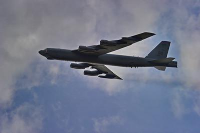 Ellington_Field_B-52_takeoff__RAW2731