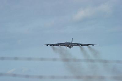 B-52_Takeoff_Liftoff_RAW2677