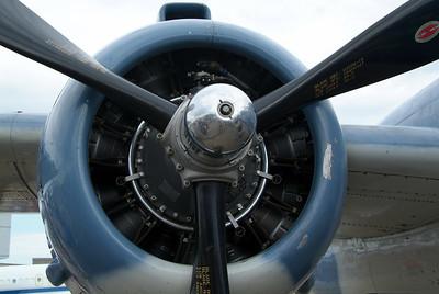 Engine cowling on a B-25