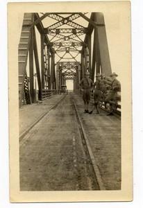 Lynchburg Musketeers on the International Bridge in Southeast Texas (03197)