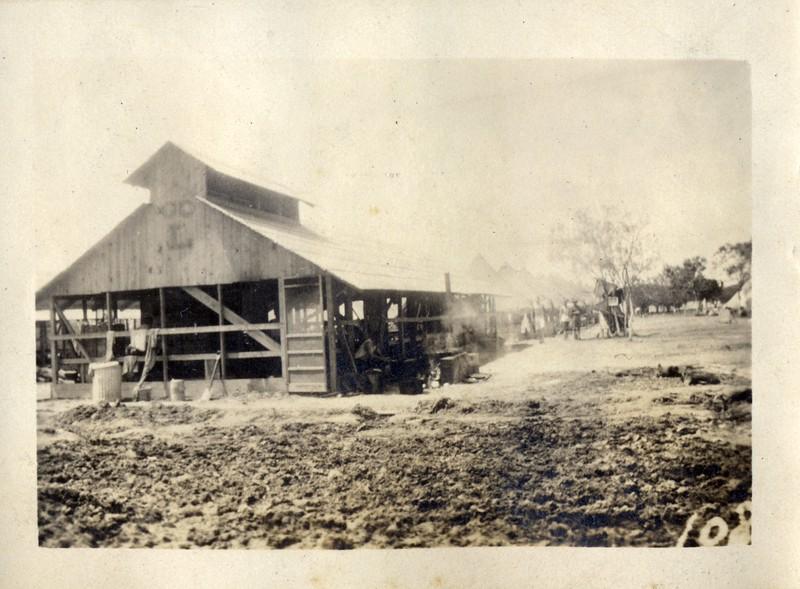 Musketeer's Barn (03421)