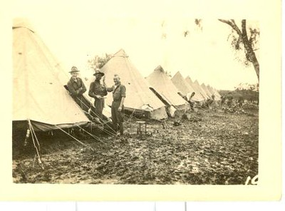 Lynchburg Musketeers at campsite in Texas (03219)