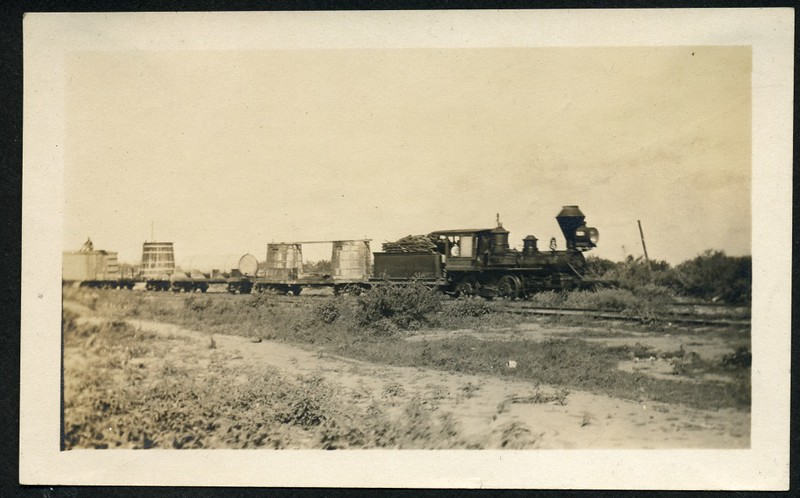 Lynchburg Home Guard Train Carrying Barrels (06274)