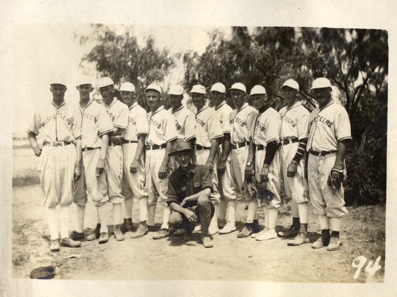 Lynchburg Musketeers Baseball Team (03376)