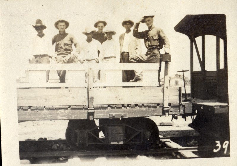 Unidentified Musketeers on a Train Car (03411)