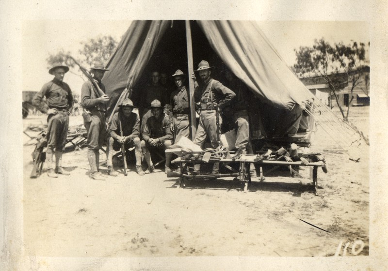 Musketeers at Camp (03383)