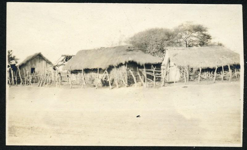 Civilian Huts (06251