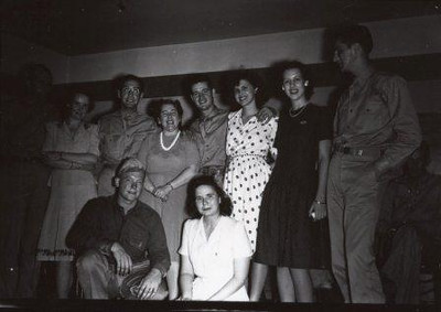 Group Picture I (00754)