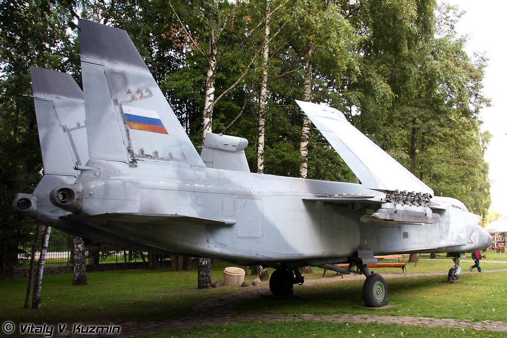 Як-141 (Yak-141)