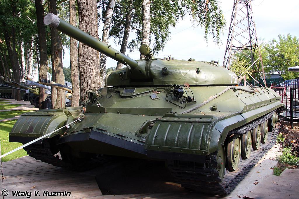 Экспериментальный тяжелый танк Объект 757 с ПТРК Рубин (Experimental heavy tank Object 757 with Rubin ATGM)