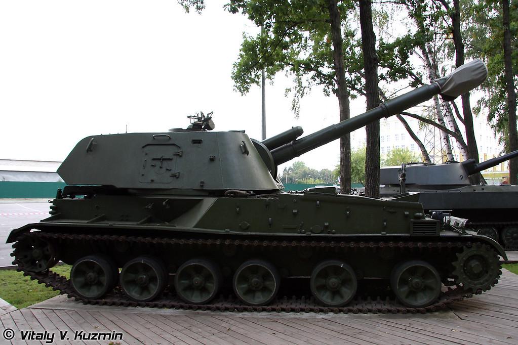 152-мм самоходная артиллерийская установка 2С3 Акация (152-mm self-propelled howitzer 2S3 Akatsiya)