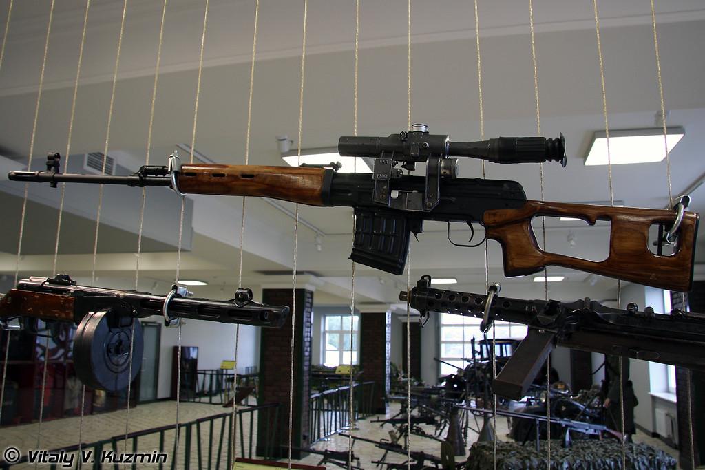 СВД (SVD sniper rifle)