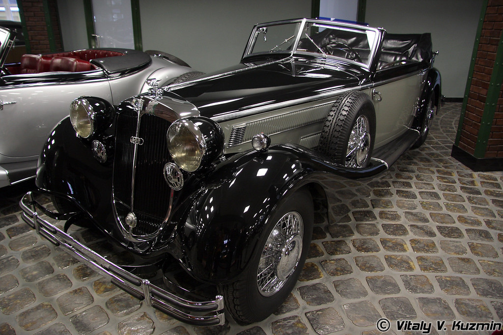 Horch 853A