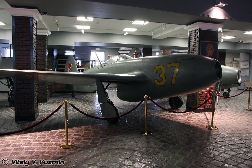 Як-15 (Yak-15)