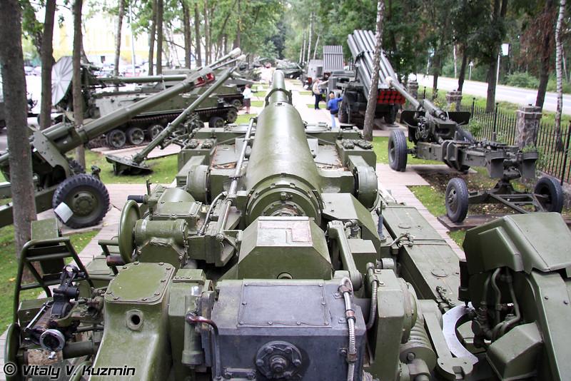 203-мм самоходное орудие 2С7 Пион (203mm 2S7 Pion)