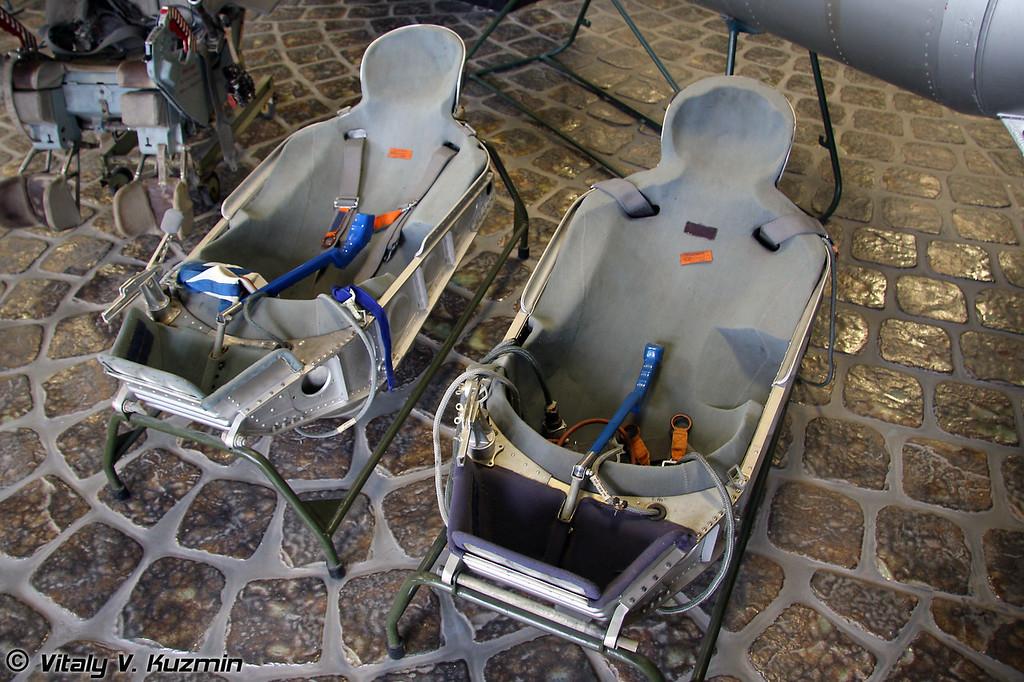 Амортизационное индивидуальное кресло космонавта Казбек (Kazbek individual space seat)