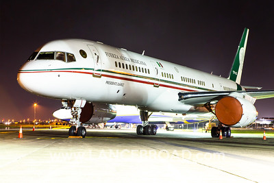 Mexican Air Force 757-200 - XC-UJM - BNE