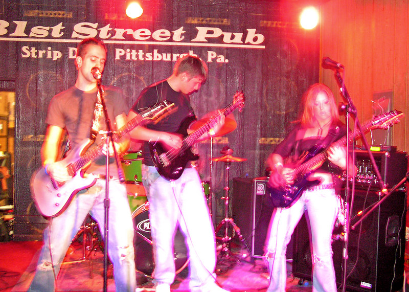 Right Mind Insomnia, Battle of the Bands, 31st Street Pub in the 'Strip', Pittsburgh, Pennsylvania