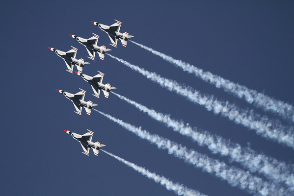 U.S. Air Force Thunderbirds; Amigo Air Sho 2010; El Paso, TX
