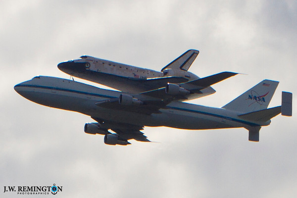 Space Shuttle Orbiter DISCOVERY (OV-103) Fly Through Washington, DC