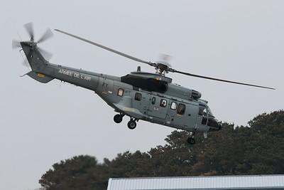 2233 / FY Eurocopter AS-332L-1 Super Puma @ Newquay Airport 21.04.16