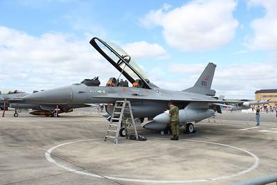 693 General Dynamics F-16BM of the Royal Norwegian Air Force @ RNAS Yeovilton 11.07.15