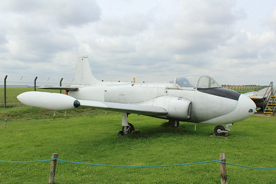 XP568 Hunting Jet Provost T4 @ East Midlands Aeropark 31.07.14