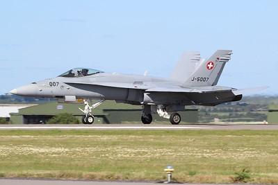 J-5007 McDonnell Douglas F-18C Hornet @ RNAS Culdrose 30.07.15