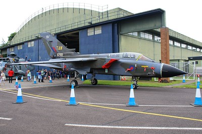 ZA320 / XV / TAW Panavia Tornado GR1 @ RAF Cosford 19.06.16