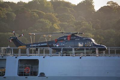 SH-14D / 283 Westland WG-13 Lynx on the flight deck of HNLMS Van Amstel 12.09.11
