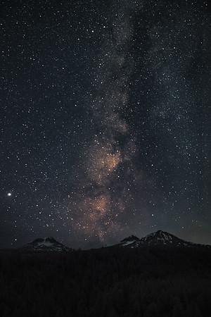 Made from 10 light frames by Starry Landscape Stacker 1.8.0.  Algorithm: Min Value