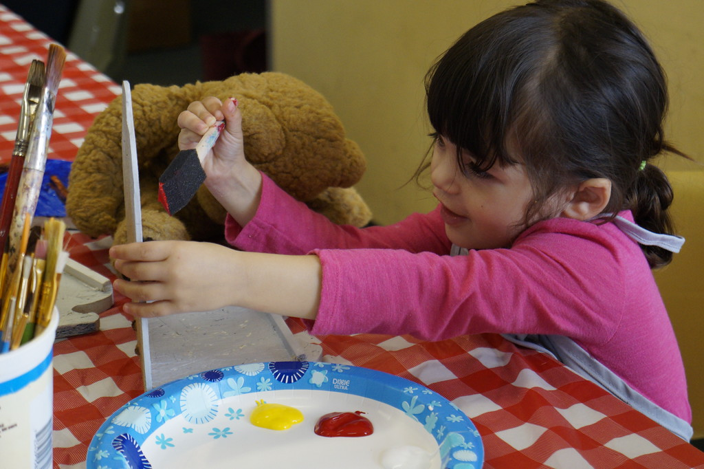 . Children and families paint bird feeders with Mill City Grows and Making Art with Artists on Saturday, October 7, 2017. The feeders will be hung up at Eagle Park and Hampshire Street Community Gardens in the spring. SUN/KATIE DURKIN