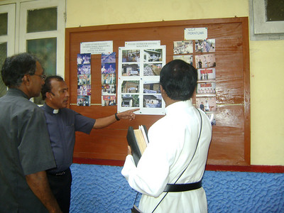 09 03-16 Photo gallery of Millard and Linda Fuller's visits to Sri Lanka. rf
