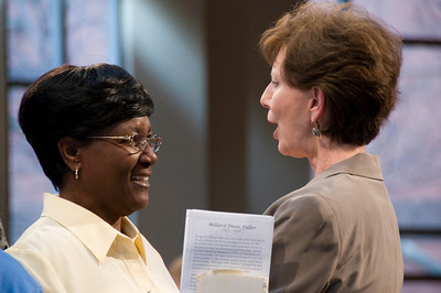 Hattie Pitts Butler, a Habitat homeowner from Americus, GA greets Linda. She is one of the speakers for the event. sh