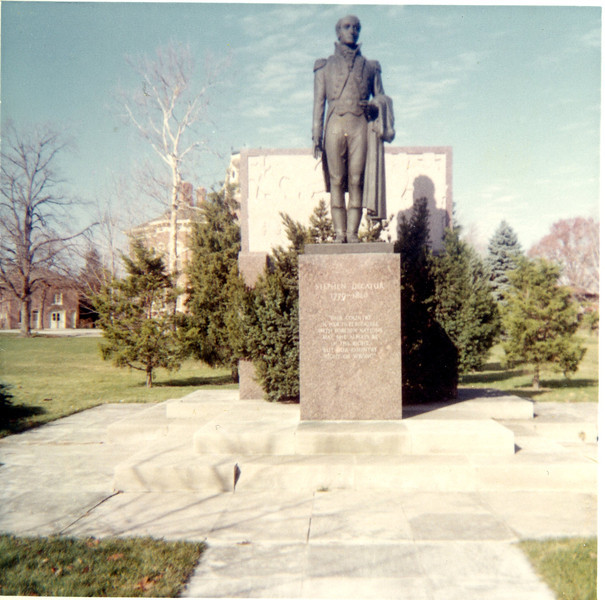 Statue of Stephen Decatur
