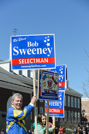 sweeney042413 SIGNS AT CUNNINGHAM