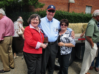 MHS Homecoming Parade and Class of 1959 Float - Torchie Walker Monk, David and Gloria West Evans