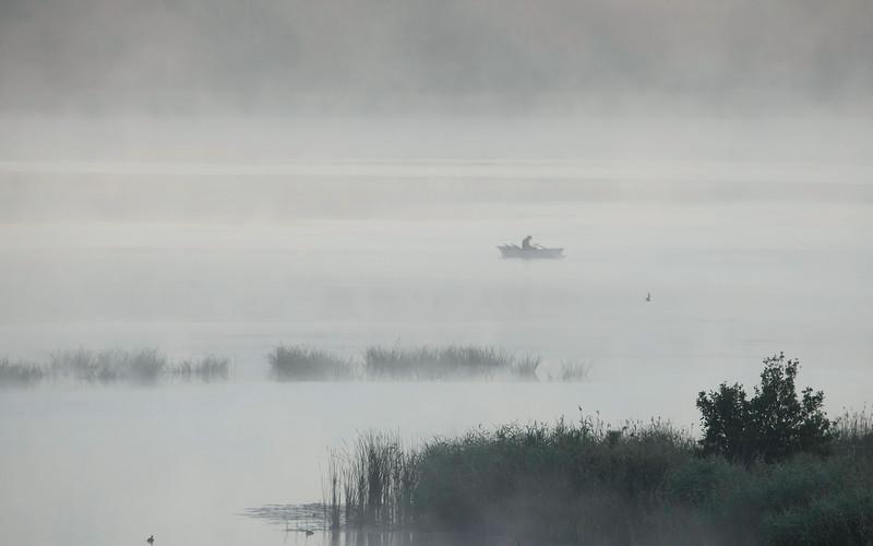 Ensom fisker / Lonely fisherman