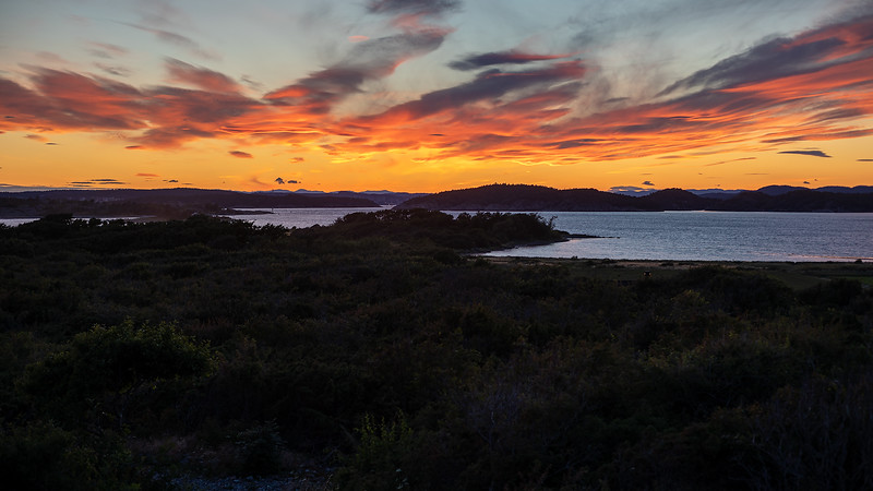 Solnedgang / Sunset<br /> Mølen, Brunlanes 12.7.2020<br /> Canon 5D Mark IV + EF 50mm f/1.4 USM