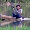 Mann i kano / Man in canoe<br /> Chiang Saen, Thailand 12.2.2018<br /> Canon 7D Mark II + Tamron 150 - 600 mm 5,0 - 6,3 G2