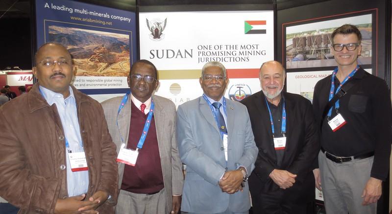 Sudan's Minister of Minerals Prof. Hashim Ali Salim (centre)