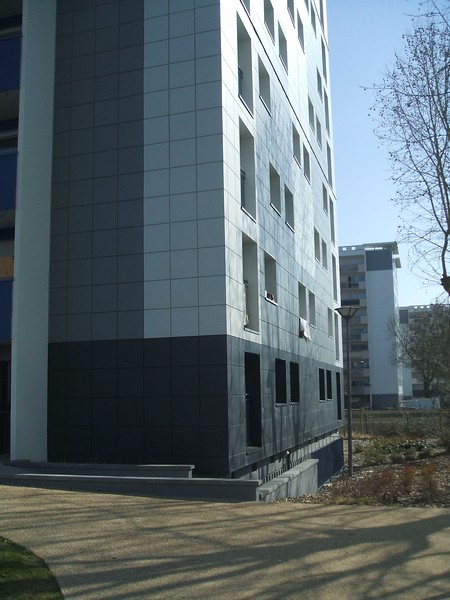 JustFacades.com High Pressure Overclads in Angers France (16).JPG