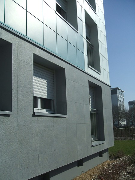 JustFacades.com High Pressure Overclads in Angers France (9).JPG