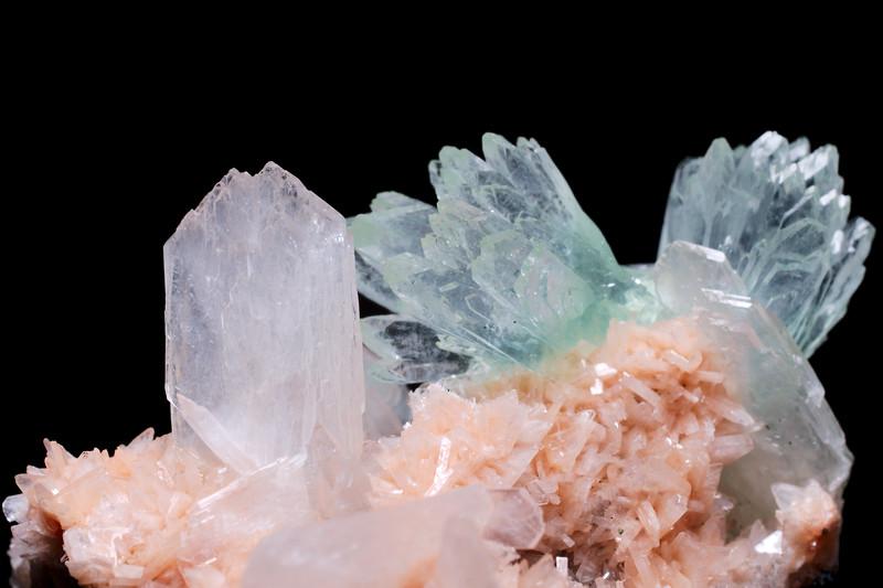 Fluorapophyllite, Stilbite and Heulandite