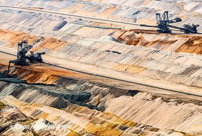 Lignite mine / B ruinkoolmijn Tagebau Hambach