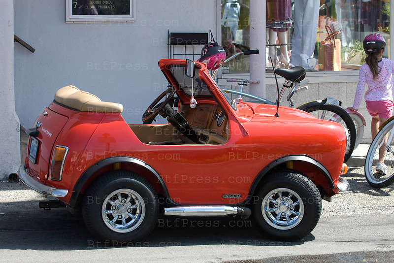 Exclusive--- Mini-Mini cooper call Downsize, in Pacific Palisades, ithe car isfast enought to drive on a regular road and much pleasant to ride on a scenic road.